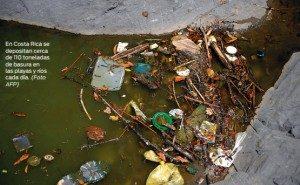 En Costa Rica se depositan cerca de 100 toneladas de basura en las playas y ríos cada día.