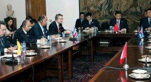 En agosto de 2014, González recibió al secretario general de Naciones Unidas, Ban Ki-Moon en la Casa Amarilla.