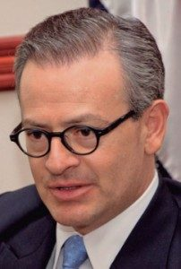 Manuel González, ministro de Relaciones Exteriores.