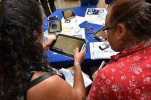 Una de las iniciativas del MEP en la incorporación de la tecnología en la enseñanza es el programa Tecnoadultos, orientado a la formación de adultos mayores.