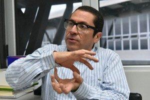 """Politólogo Rotsay Rosales: """"Nuestra reglamentación es bastante deficitaria, de las peores, sobre todo en términos de la equidad entre los actores""""."""