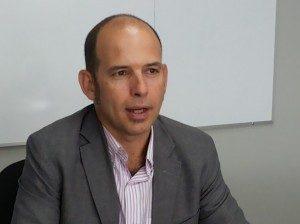 """""""La mayor parte de los países europeos no parece dispuesta a recibir con los brazos abiertos la ola masiva de refugiados que huyen de la guerra"""", dijo a UNIVERSIDAD el académico español Ignacio Álvarez."""